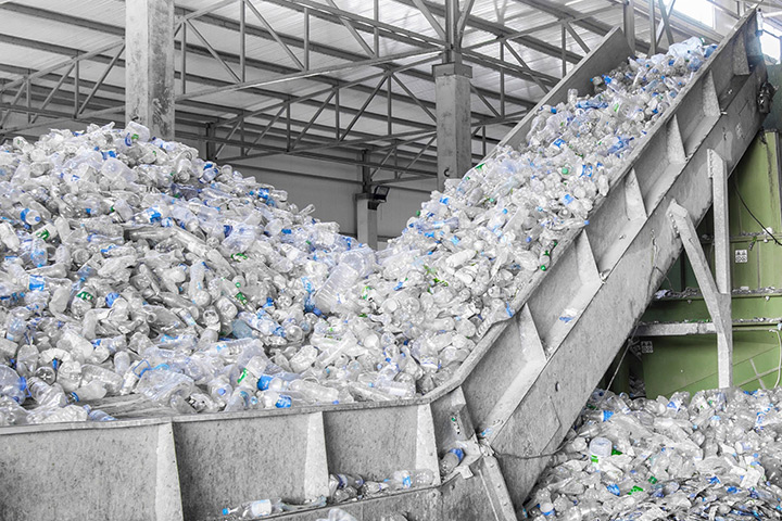 Transporting solutions for recycling material by FMW